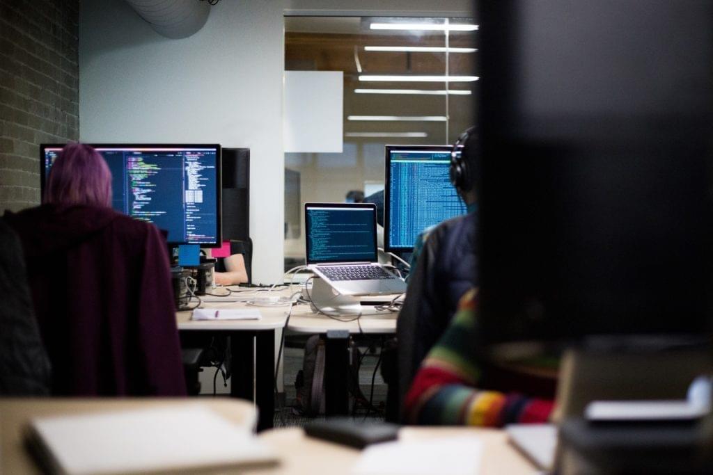 Büro mit IT Mitarbeitern